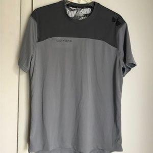 Men's Under Armour shirt LIKE NEW